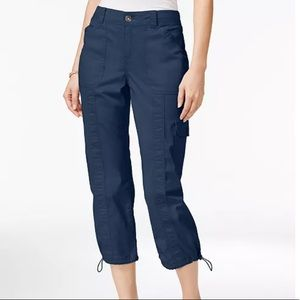 Style and Co NWT capris blue